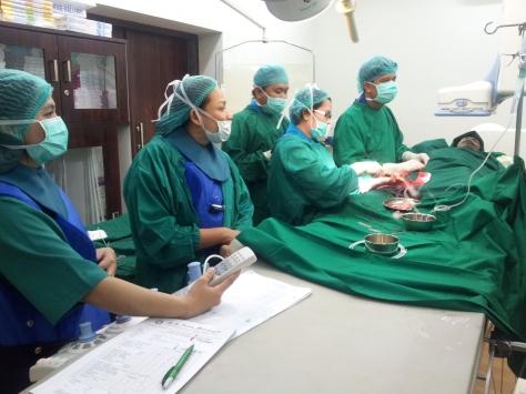 Saya melakukan tindakan endovaskuler/neuro-intervensi